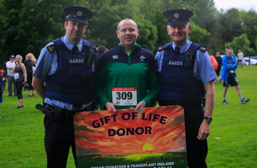 ***NO FEE PIC *** 20/05/2017 Garda Gavin Dufy, Alan Gleeson & Sgt Stephen Lydon during the Irish Kidney Association's Run for a Life family fun run which will take place this Saturday 20th May at Corkagh Park, Clondalkin, Dublin. The IKA's Run for a Life is a charity fundraiser and celebrates the 'gift of life' and aims to raise awareness about the vital importance of organ donation and transplantation. Now in its 9th year 'Run for a Life' is open to people of all ages with the option of walking, jogging or running competitively in either a chip timed 2.5km, 5km or 10km distance. Based on last year's attendance over 500 people are expected to register for the event. For more information on the event visit website www.runforalife.ie For organ donor cards Freetext DONOR to 50050 or visit website www.ika.ie/card You can now download the IKA's new digital donor card by visiting www.donor.ie on your smartphone. Your wishes to be an organ donor can also be included on the new format driving licence which is represented by Code 115. Photo: Arthur Carron