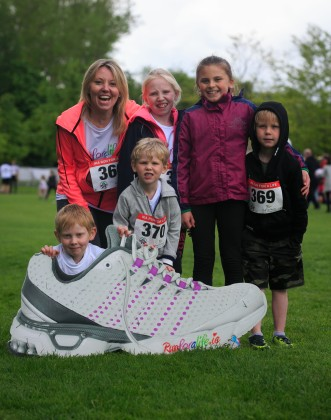 ***NO FEE PIC *** 20/05/2017 Members of the Murphy family from Ballyboughal during the Irish Kidney Association's Run for a Life family fun run which will take place this Saturday 20th May at Corkagh Park, Clondalkin, Dublin. The IKA's Run for a Life is a charity fundraiser and celebrates the 'gift of life' and aims to raise awareness about the vital importance of organ donation and transplantation. Now in its 9th year 'Run for a Life' is open to people of all ages with the option of walking, jogging or running competitively in either a chip timed 2.5km, 5km or 10km distance. Based on last year's attendance over 500 people are expected to register for the event. For more information on the event visit website www.runforalife.ie For organ donor cards Freetext DONOR to 50050 or visit website www.ika.ie/card You can now download the IKA's new digital donor card by visiting www.donor.ie on your smartphone. Your wishes to be an organ donor can also be included on the new format driving licence which is represented by Code 115. Photo: Arthur Carron