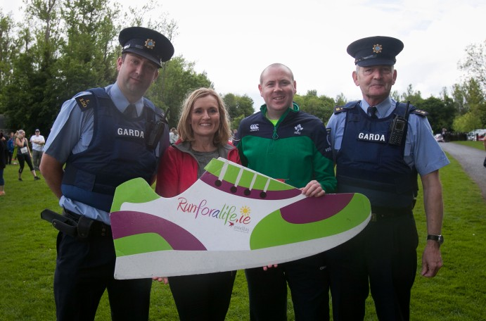***NO FEE PIC *** 20/05/2017 Garda Gavin Dufy,Gwen O Donoghue Alan Gleeson & Sgt Stephen Lydon during the Irish Kidney Association's Run for a Life family fun run which will take place this Saturday 20th May at Corkagh Park, Clondalkin, Dublin. The IKA's Run for a Life is a charity fundraiser and celebrates the 'gift of life' and aims to raise awareness about the vital importance of organ donation and transplantation. Now in its 9th year 'Run for a Life' is open to people of all ages with the option of walking, jogging or running competitively in either a chip timed 2.5km, 5km or 10km distance. Based on last year's attendance over 500 people are expected to register for the event. For more information on the event visit website www.runforalife.ie For organ donor cards Freetext DONOR to 50050 or visit website www.ika.ie/card You can now download the IKA's new digital donor card by visiting www.donor.ie on your smartphone. Your wishes to be an organ donor can also be included on the new format driving licence which is represented by Code 115. Photo: Arthur Carron